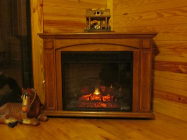 Bass cabin fireplace sm